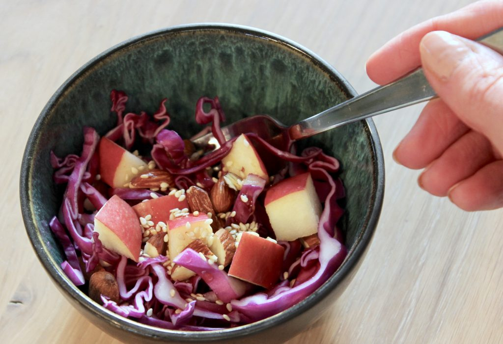 Uppskrift af hollu salati og matarumræða í framhaldinu